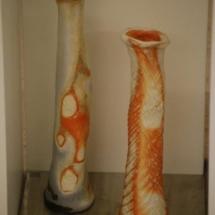 Zwei Porzellanvasen von Carola Krüger
